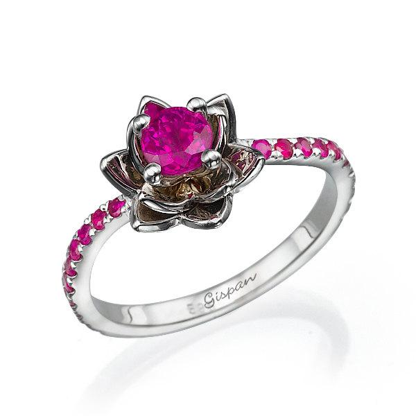 Mariage - Ruby Ring, Ruby Engagement Ring, Flower Engagement Ring, Wedding Band, Gift, Band Ring, Twist Ring, Statement ring, flower band, Gem Ring