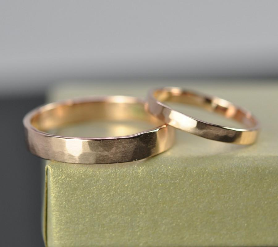 Mariage - Rose Gold Wedding Band Set, 2.5mm and 4mm Rings, 14K Rose Gold, Faceted Matte, Sea Babe Jewelry