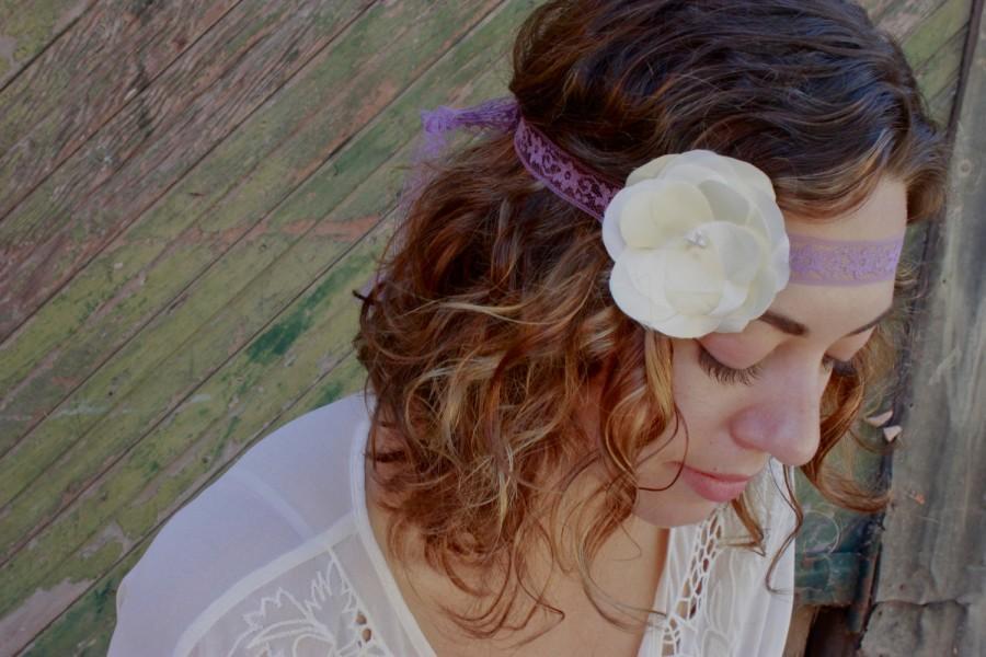 Свадьба - Ooak White Flower Headband- White & Lavender- Bridal Headband- Hair Accessory- Romantic- Shabby chic- Boho Chic- Bridal- Party Accessory