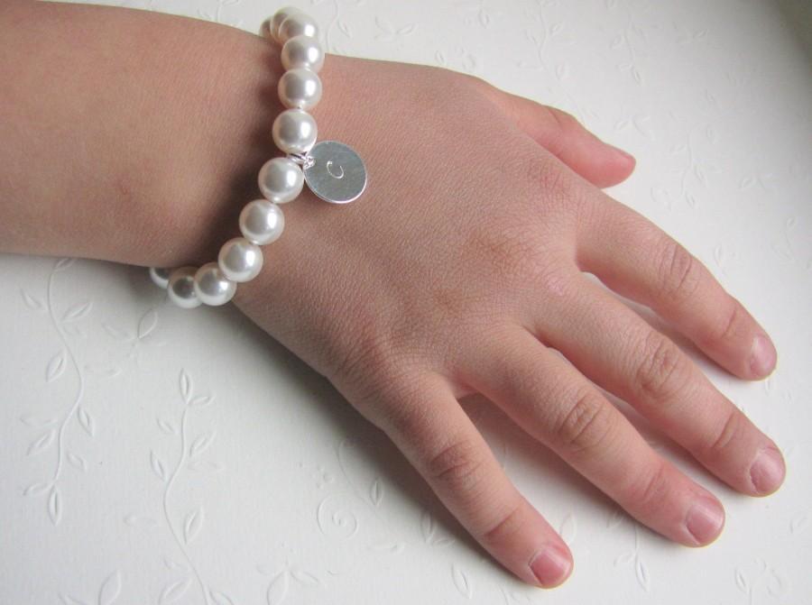 Свадьба - Personalized Girl Bracelet Personalized Bracelet Girl Pearls Baby Gift Flower Girl Bracelet Flower Girl Gift Swarovski Pearl Bracelet