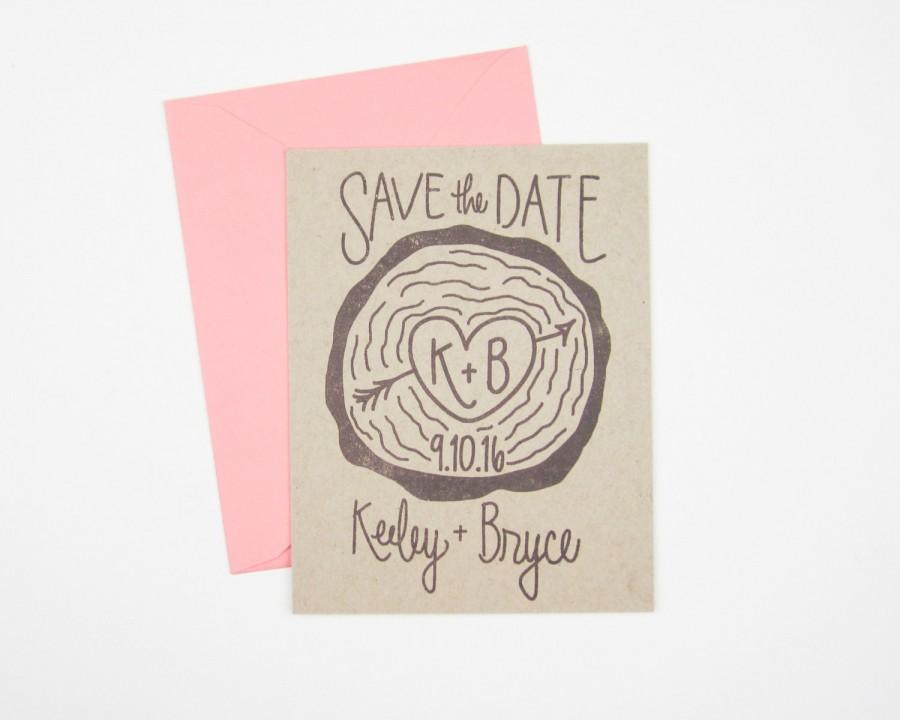 Hochzeit - Wood Slice Save the Date stamp - custom hand lettered save the date stamp - save the date invitations - DIY wedding stamp - H1006