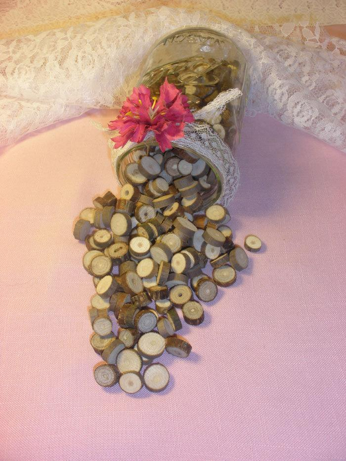 Hochzeit - Rustic Wedding, Vase Filler, Table Scatter, Confetti, Tree Branch Slices, Lot of 250-300 Wood Rounds
