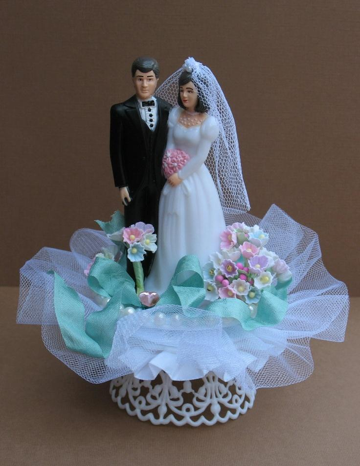 Свадьба - Items Similar To Wedding Cake Topper - CLEARANCE SALE Vintage Style Bride And Groom - Aqua Ribbon On Etsy