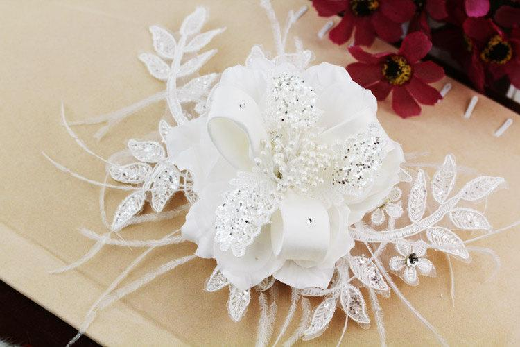 Wedding - White Pearl Bridal Headpiece Crystal Feather Flower Laces Wedding Veils, 13B20 SKU: 7J12