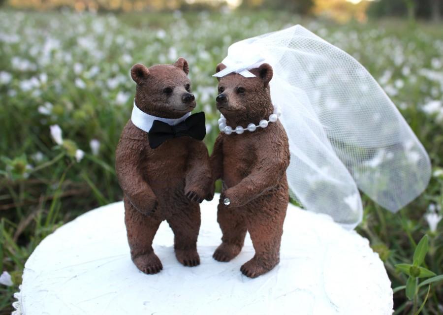 Mariage - Weddings-bears-bear-wedding-cake topper-bear hunting-groom-rustic-woodland-forest-brown bear-black bear-bride and groom-Mr.and Mrs.