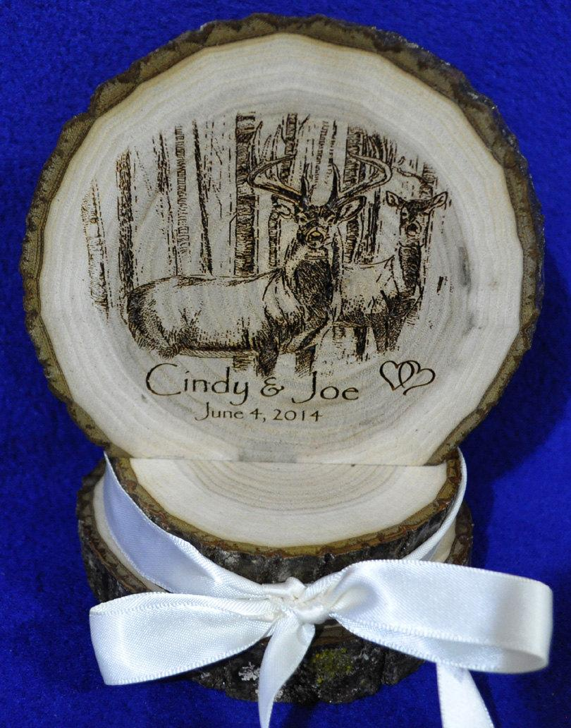 Mariage - Rustic Cake Top ~ Rustic Wedding ~ Barn Wedding ~ Buck and Doe Cake Top ~ Country Wedding ~ Engraved Wood Cake Top ~ Custom Cake Top ~ Deer