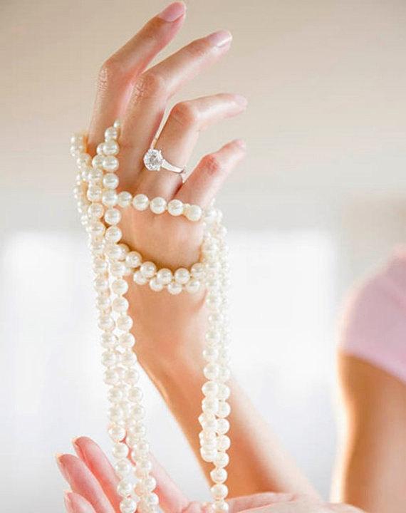 Mariage - 99 Feet -- 8mm Ivory Wedding Faux Pearl Beads on a Spool  --  Acrylic Garland -- 99 Foot Strand