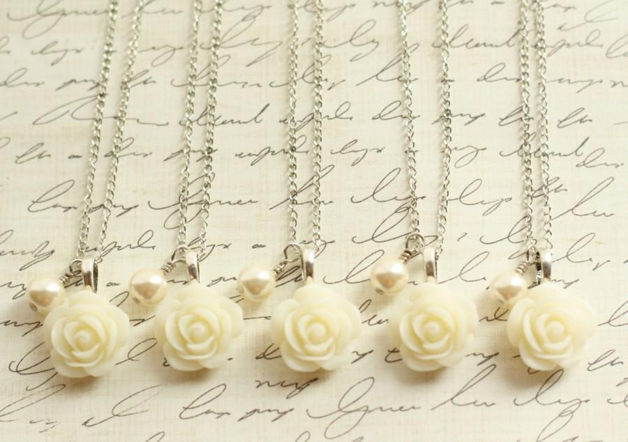 Mariage - Five Ivory Rose and Pearl Necklaces - Ivory Rose Necklace - Bridesmaid Necklace - Flowergirl Necklace - Ivory Wedding - Cream Wedding