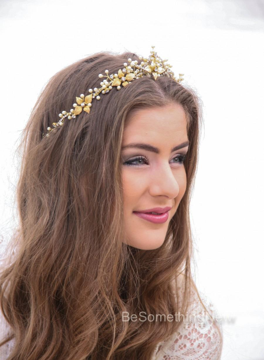 Свадьба - Wedding Crown in Gold and Ivory, Metal Leaf Wedding Headpiece Wedding Hair, Metal Wedding Hair Accessory, Gold Bridal Tiara, Wedding Halo