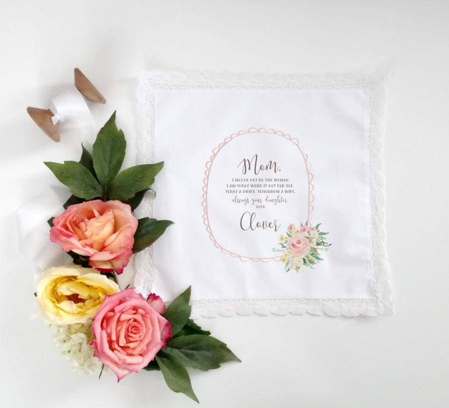 Свадьба - Tea Rose Mother of the Bride or Mother of the Groom Printed Handkerchief.  Lace edge Handkerchief.