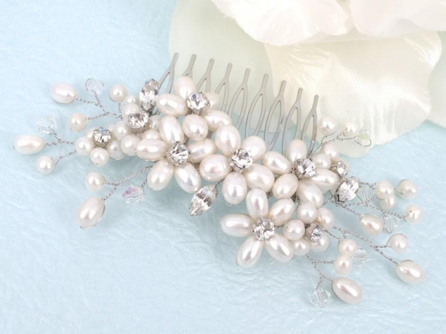 Hochzeit - Signs of Spring - Freshwater Pearl Swarovski Crystal and Rhinestone Bridal Comb