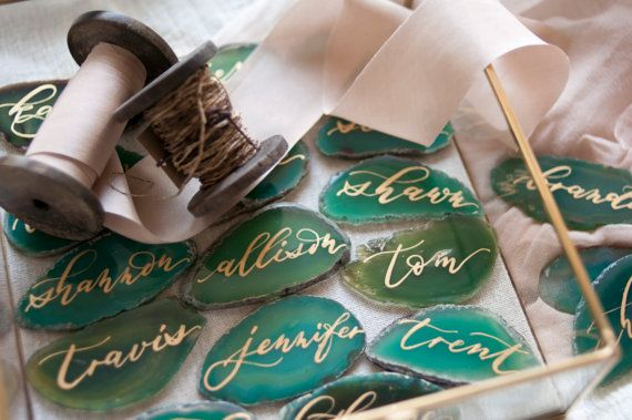 """Свадьба - 2""""-3"""" Green Agate Slices Name Cards"""