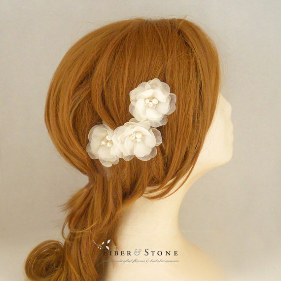 Свадьба - Freshwater Pearl Wedding Hair Flower, Ivory Bridal Hair Flower, Bridal Hair Piece, Bridal Hairpiece, SILK, Flower Wedding Hairpiece Handmade