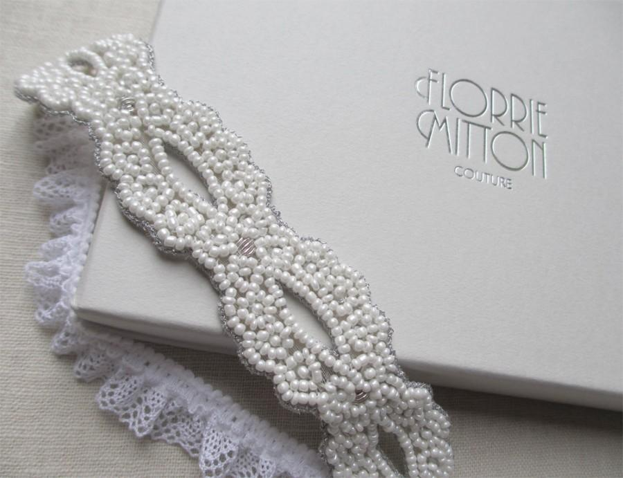 Свадьба - Goddess beaded garter White