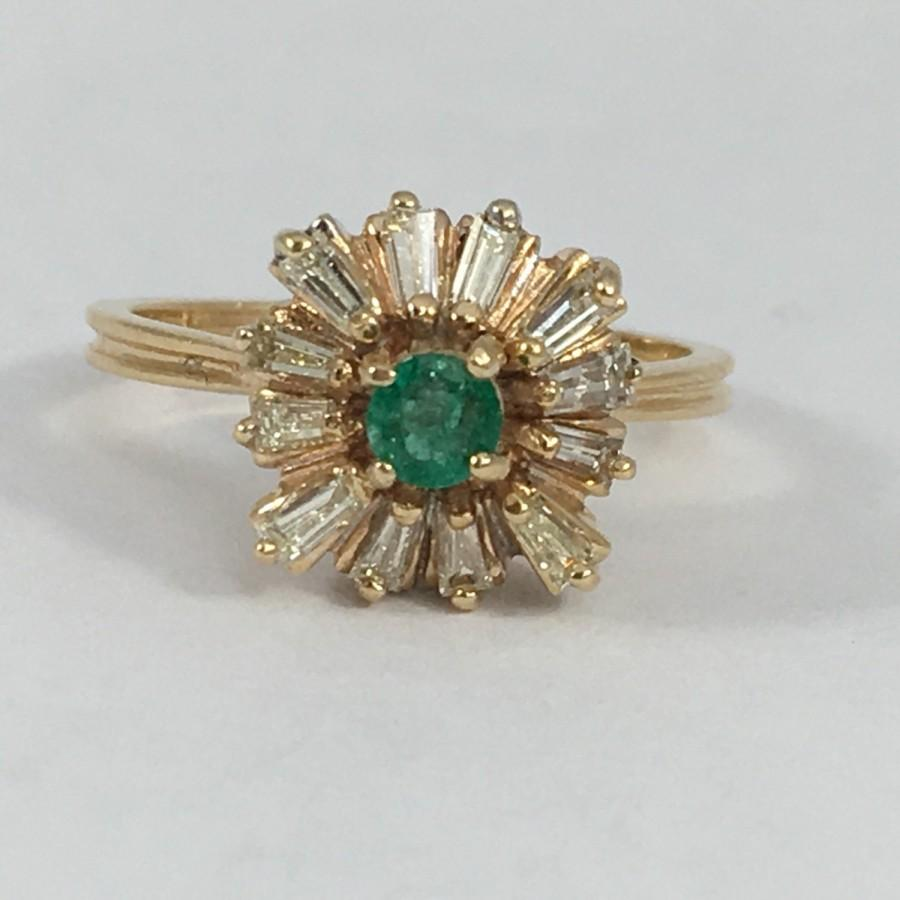 زفاف - Antique Emerald and Diamond Ring. 14K Yellow Gold Art Deco Setting. Unique Engagement Ring. Estate. May Birthstone. 20th Anniversary Gift.