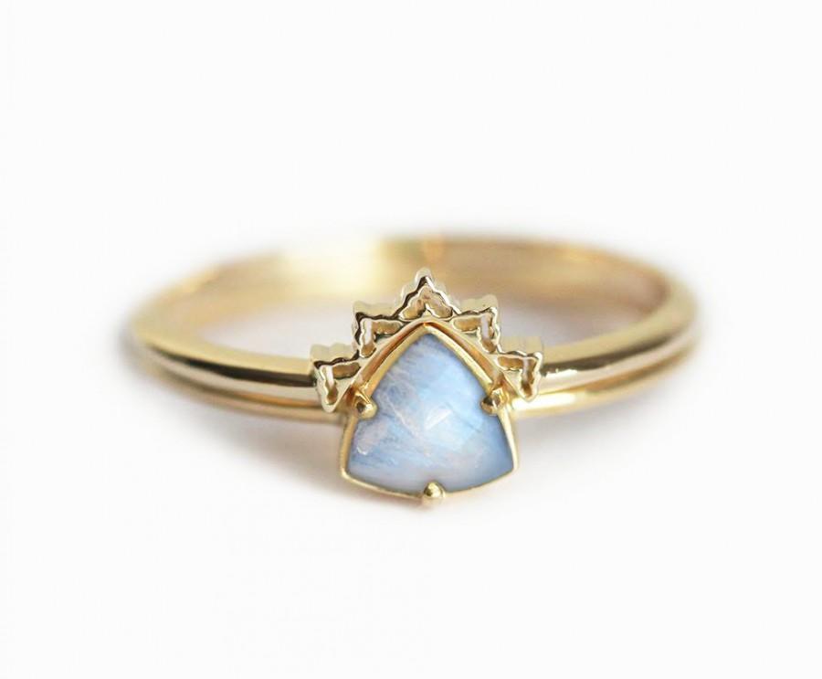 Свадьба - Gold Moonstone Ring, Moonstone Wedding Ring, Moonstone Engagement Ring, Moonstone Ring Set, Trillion Moonstone Ring