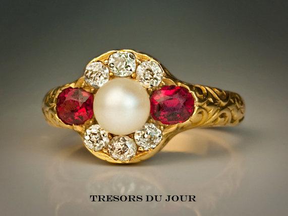Mariage - Edwardian Ruby Engagement Ring, Edwardian style Ruby, Pearl and Diamond Engagement RING in 18kt gold,conflict free diamonds, TresorsDuJour