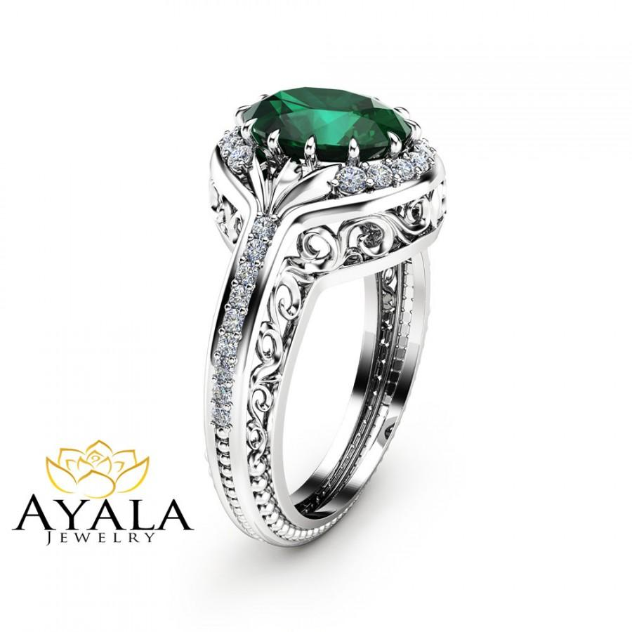 Mariage - Oval Emerald Ring in 14K White Gold Unique  Halo Ring Oval Cut Emerald Ring Art Deco Styled Ring Cocktail Ring