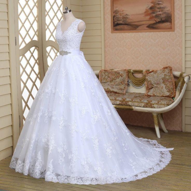 Boda - V-Neck Princess White Beaded Lace Wedding Dress