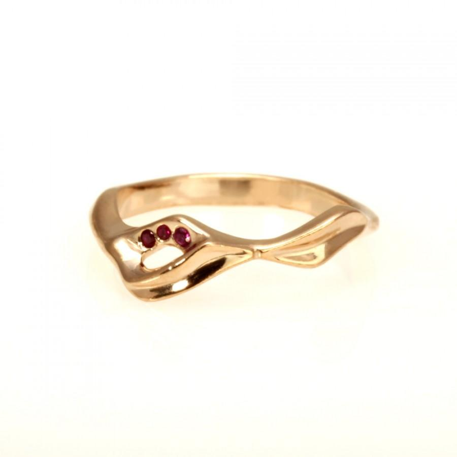 Hochzeit - Unique 14kt Rose gold. Set Natural Ruby. engagement ring promise ring rose gold.  RG-1109