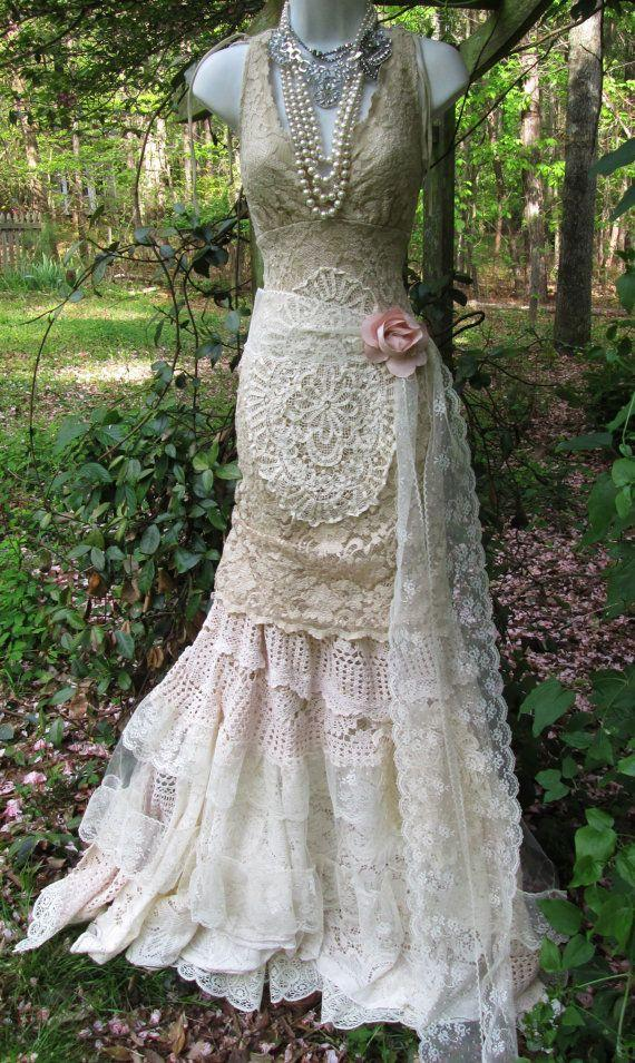 Vintage lace mermaid boho wedding dress cream ecru tulle for Bohemian mermaid wedding dress