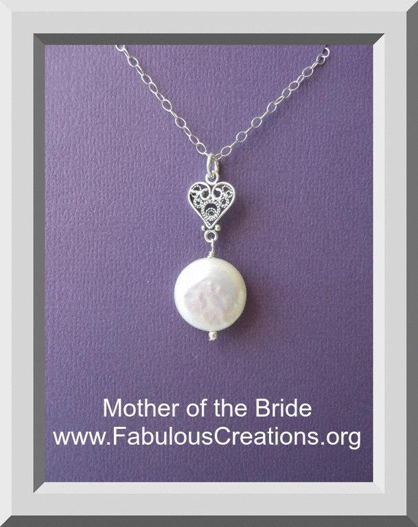 Mariage - Mother of the Bride Gift,Sterling Silver Heart Necklace, Pearl Necklace, Mothers Necklace,Sterling Silver,Mother of the Groom, Mother in Law