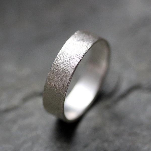 Mariage - Textured wedding band ring - recycled sterling silver - mens wedding ring - artisan metalsmith - scratch texture