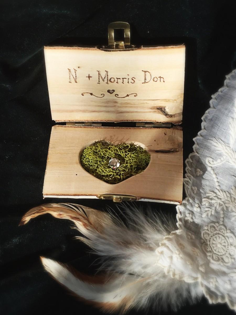 زفاف - 2 hearts Birch Wood Ring Box  Rustic Wedding  Personalized Ring Bearer Rustic Ring Holder