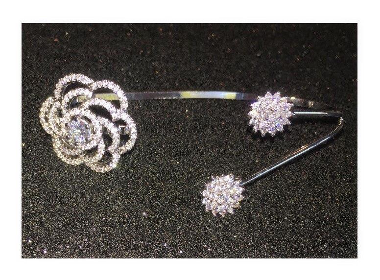 Hochzeit - Crystal bridal handlet bracelet  Hand bracelet elegant hand piece palm cuff wedding bracelet, elegant jewelry