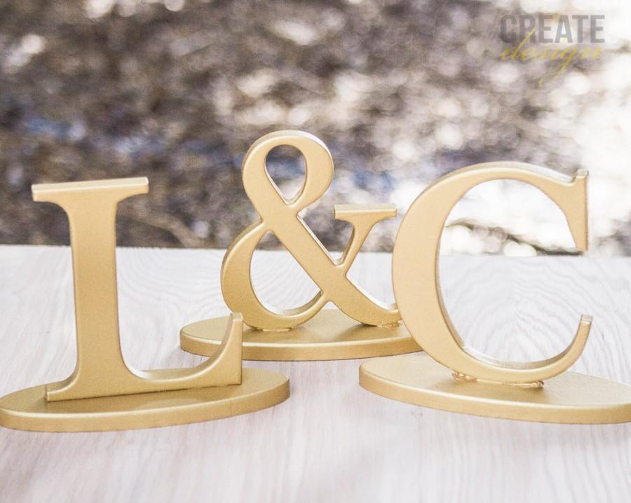 Hochzeit - Wedding Initial Signs - Personalized Sweetheart Table Signs - Initials 2 Letters and Ampersand Sign (Item - INI200)