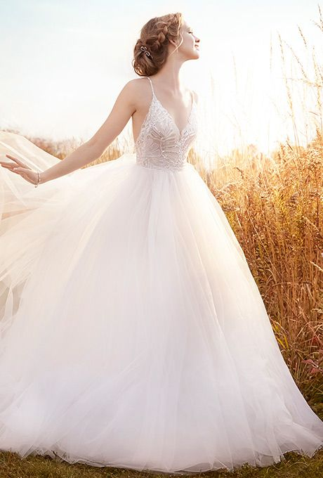 Одеваться - Jim Hjelm Wedding Dress #2521260 - Weddbook
