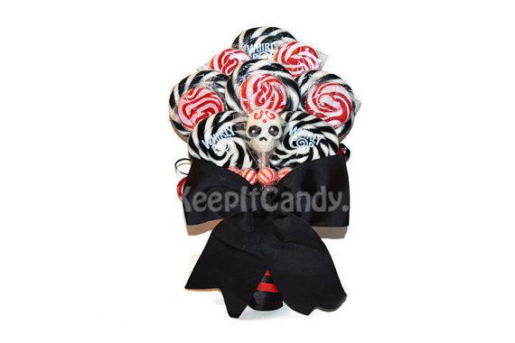 Wedding - Custom Skull Lollipop Wedding Bouquet, Bridal Bouquet, Black and Red Bouquet, wedding, Candy Wedding, Candy Bouquet, Skull, Skull Bouquet