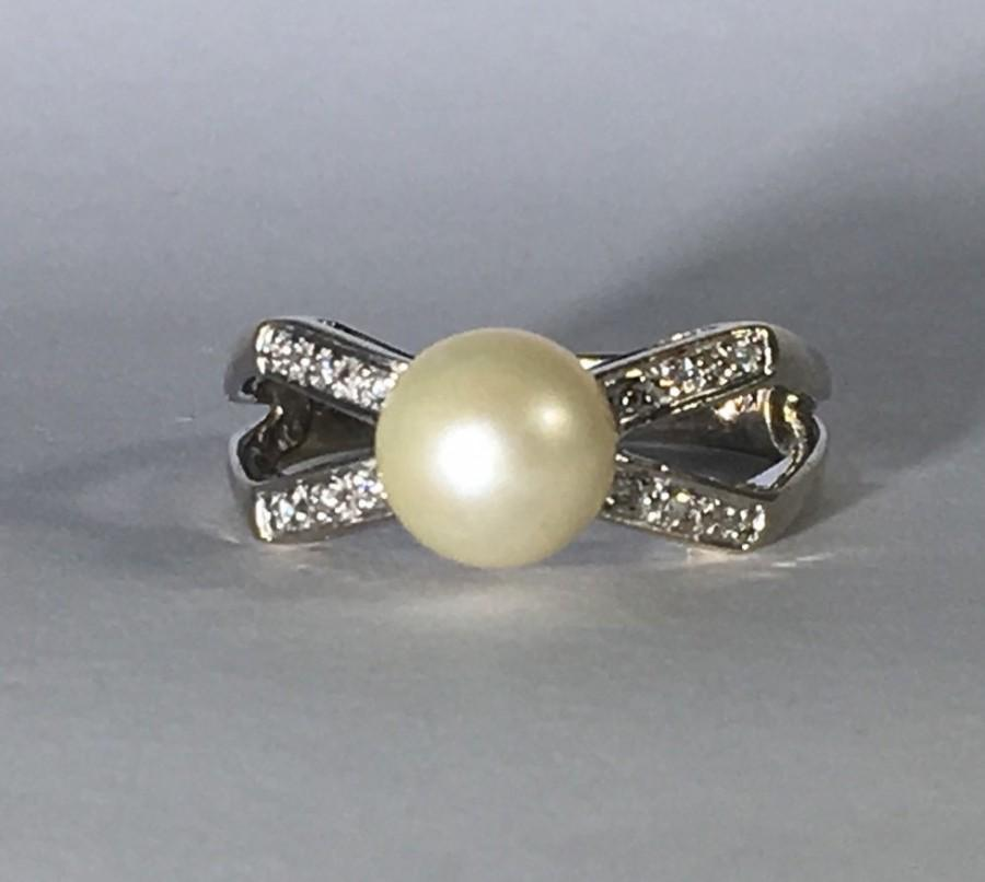 Vintage Pearl And Diamond Ring A Bow Style Ring Set In 14k White