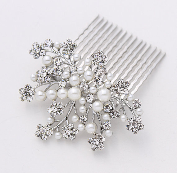 Mariage - Crystal Pearl  Comb for BrideWedding Hairpiece Rhinestone Silver Pearl Hair Combs Gatsby Old Hollywood Prom Wedding Headpiece Jewelry