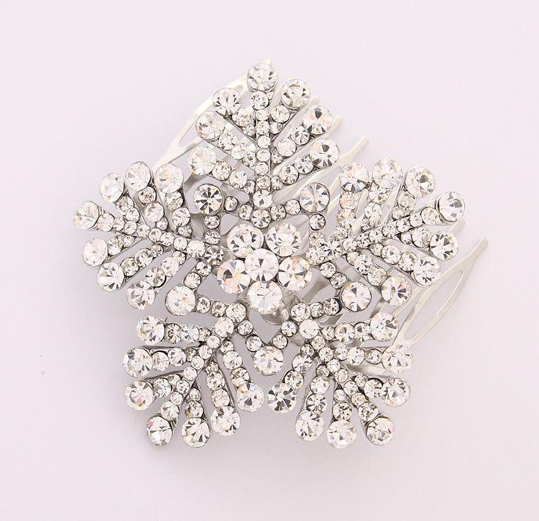 Hochzeit - Snowflake Hair Comb Winter Wedding Bridal Hair Comb Accessories Silver Snowflake Wedding Jewelry Accessory Hair Piece