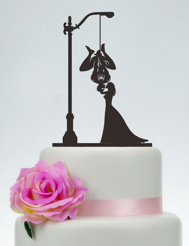 Hochzeit - Spider-Man Cake Topper,Bride And Spider-Man Silhouette,Wedding Cake Topper,Couple Cake Topper,Kissing Cake Topper, Custom Cake Topper - P116