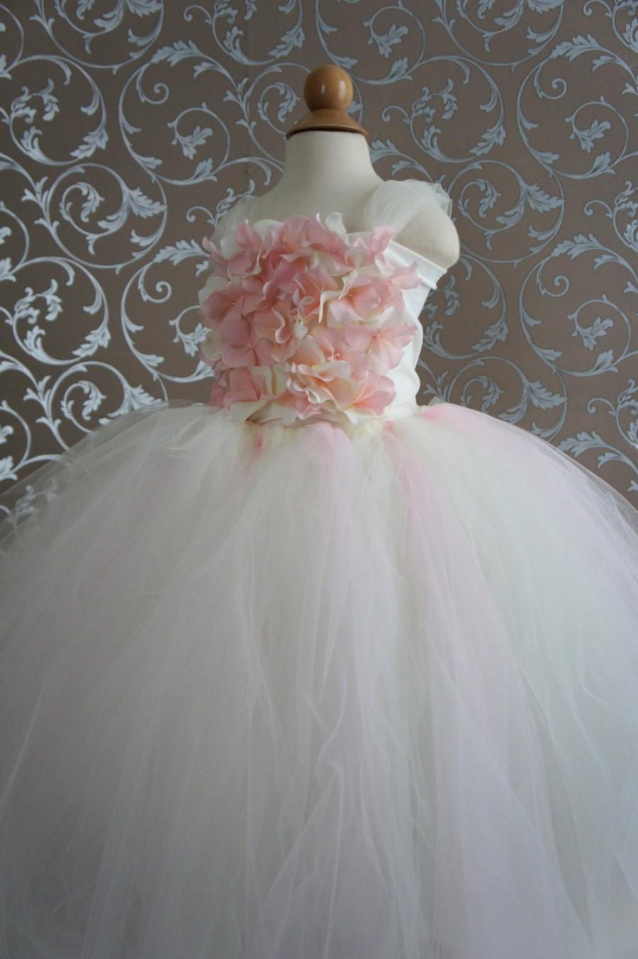 Hochzeit - Flower Girl Dress, Tutu Dress, Girls Dress, Ivory dress, Toddler dress, Baby Photo Prop, in Blush Pink and Ivory, Flower Top, Tutu Dress