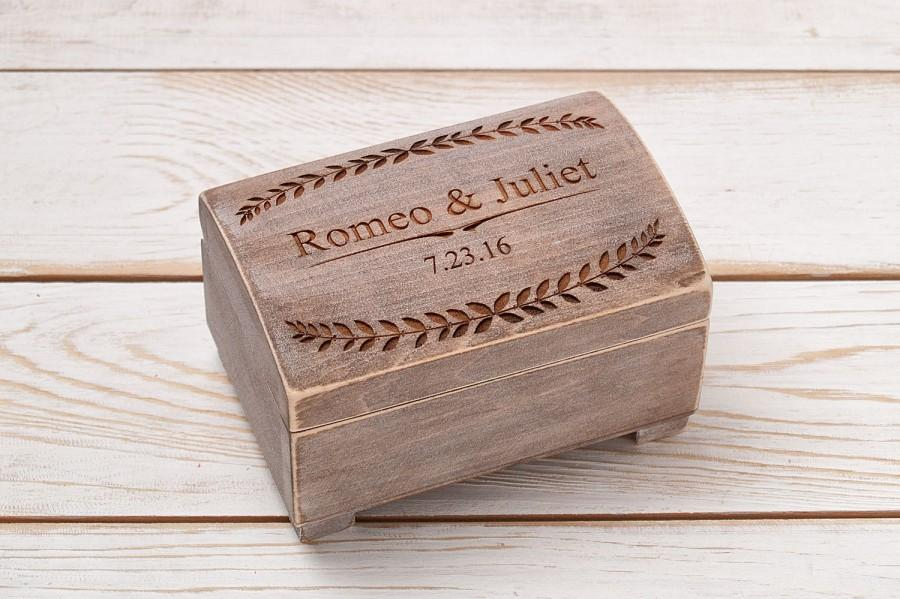 Свадьба - Lace Ring Bearer Box Lace Wedding Pillow Shabby Chic Ring Box Personalized Glass Ring Box Wedding Ring Holder Rustic Ring Pillow