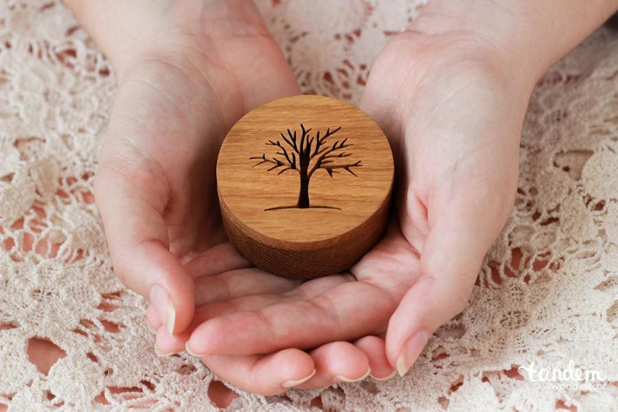 Mariage - wood box for rings with tree, handmade rustic wedding decorations, engagement boxes, valentine day gift for she, engraved name or initials
