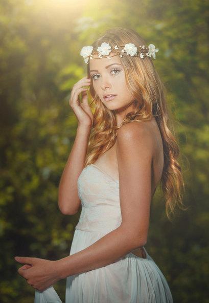 Mariage - Wedding Flower Crown, White Wedding Flower Crown Headband, White Flower Woodland Wedding Halo Circlet