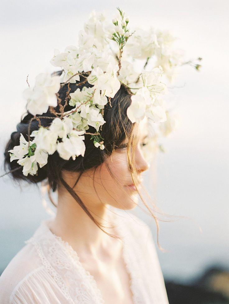 Mariage - Ethereal And Romantic Bridal Style Among The Hawaiian Hills By Christine Clark Photography
