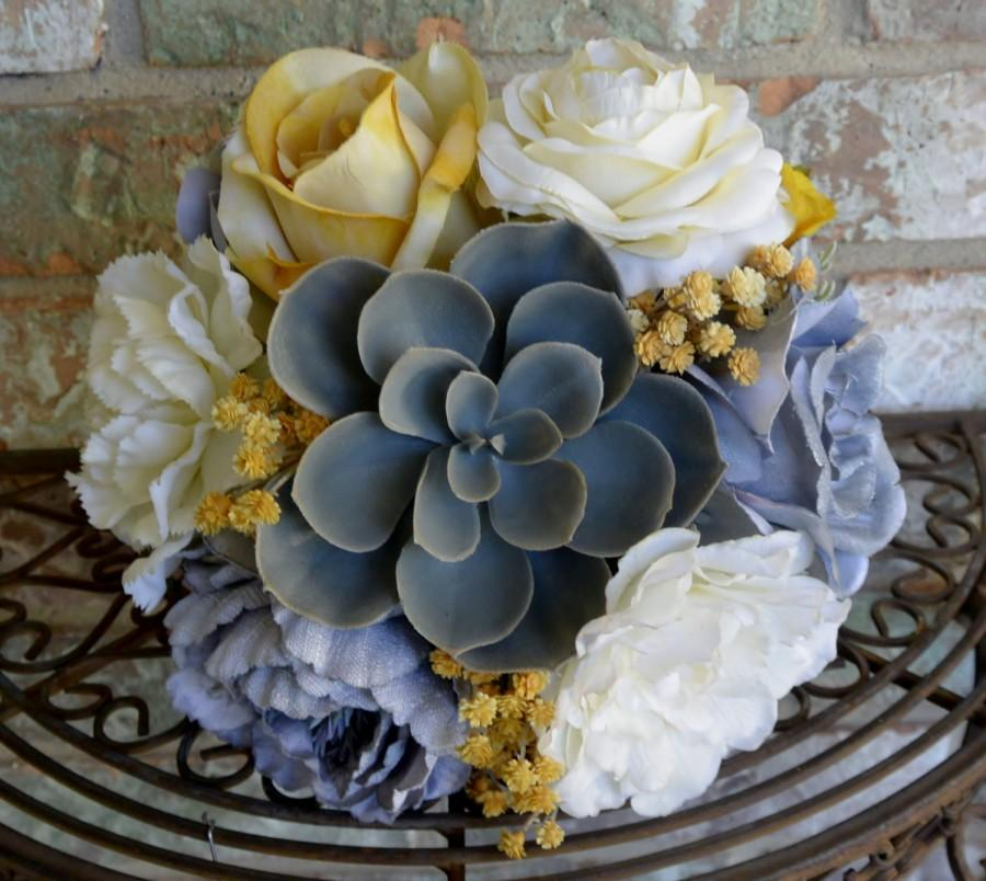 Hochzeit - Goldenrod Succulent Bouquet