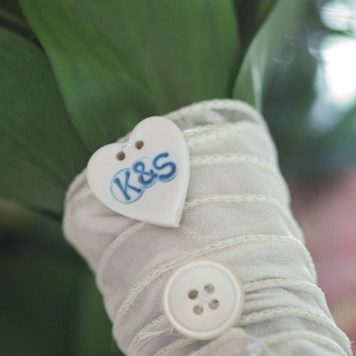 Mariage - Something Blue Bouquet Charm, Custom Wedding Buttons, Personalised Button - Bouquet buttons
