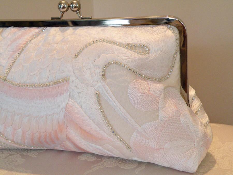 Свадьба - 10 inch Frame Rhinestones Crane Clutch/Bag/Purse/Long Island Bride Wedding/Bridal Pink/Ivory..Embroidered Silk Kimono Fabric/Ready To Ship