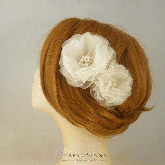 Свадьба - Freshwater Pearl Wedding Hair Piece, Wedding Headpiece, Bridal Hairpiece, Flower,  Ivory Bridal Headpiece, Pure Silk Bridal Hair Accessory