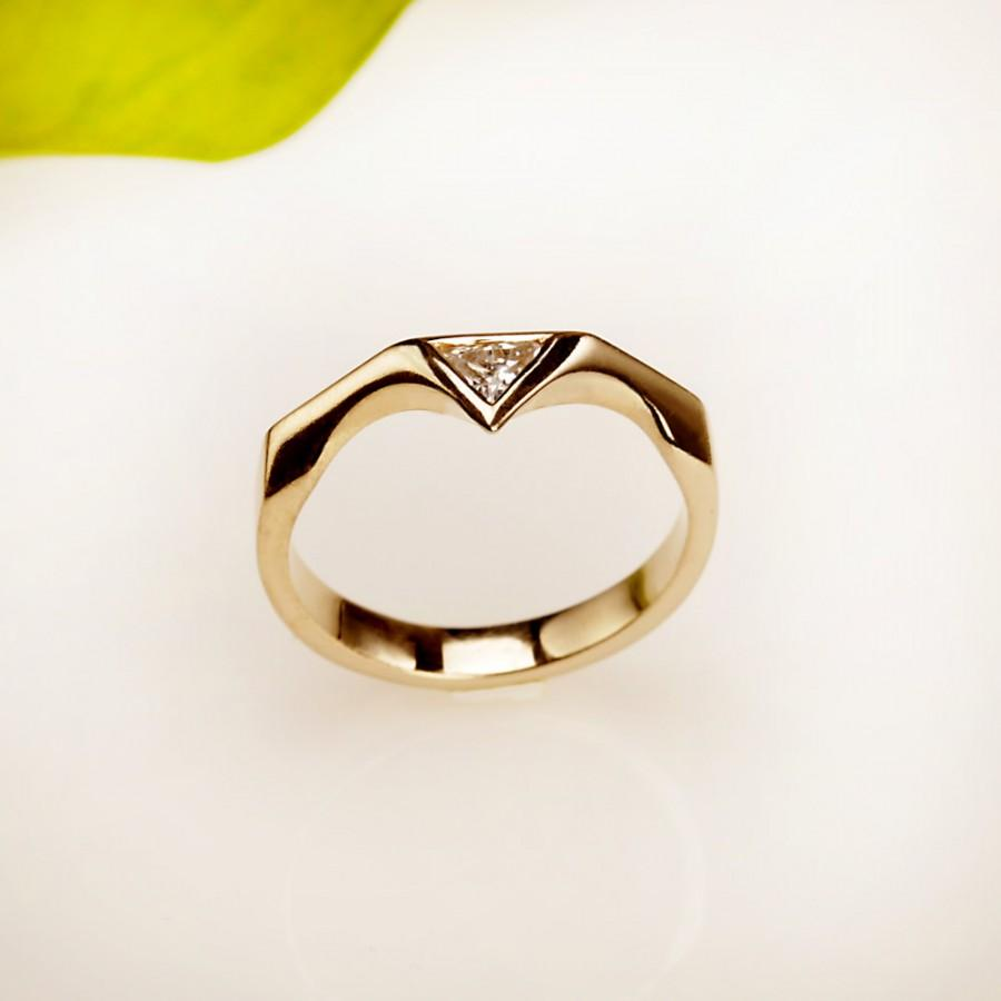 triangular love true with horn triangle tell engagement rings winthrop trumpet ring products i diamond