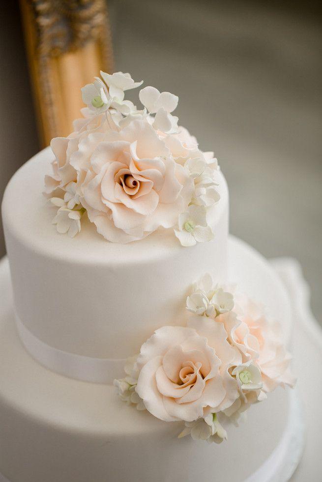 زفاف - 25 Amazing All-White Wedding Cakes