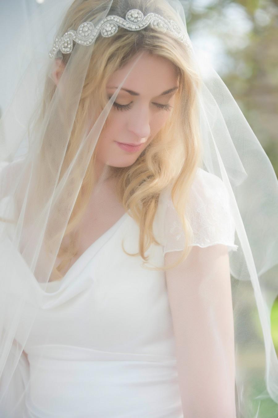 Hochzeit - Crystal Edge Cap Veil, Juliet Cap Veil, Vintage Inspired Tulle Veil, Juliette Veil, Rhinestones, Crystals, Art Deco Veil, 1920's style veil
