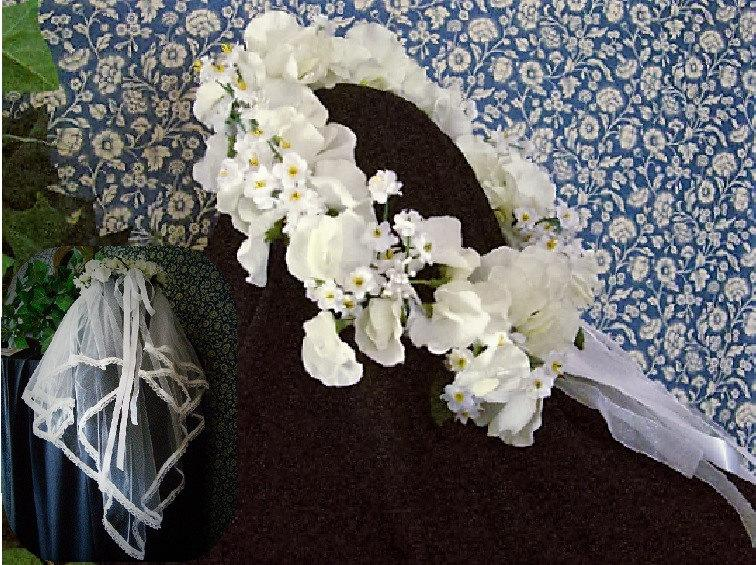Hochzeit - FLORAL CROWN  becomes a forever KEEPSAKE - detachable veil - customized personalized