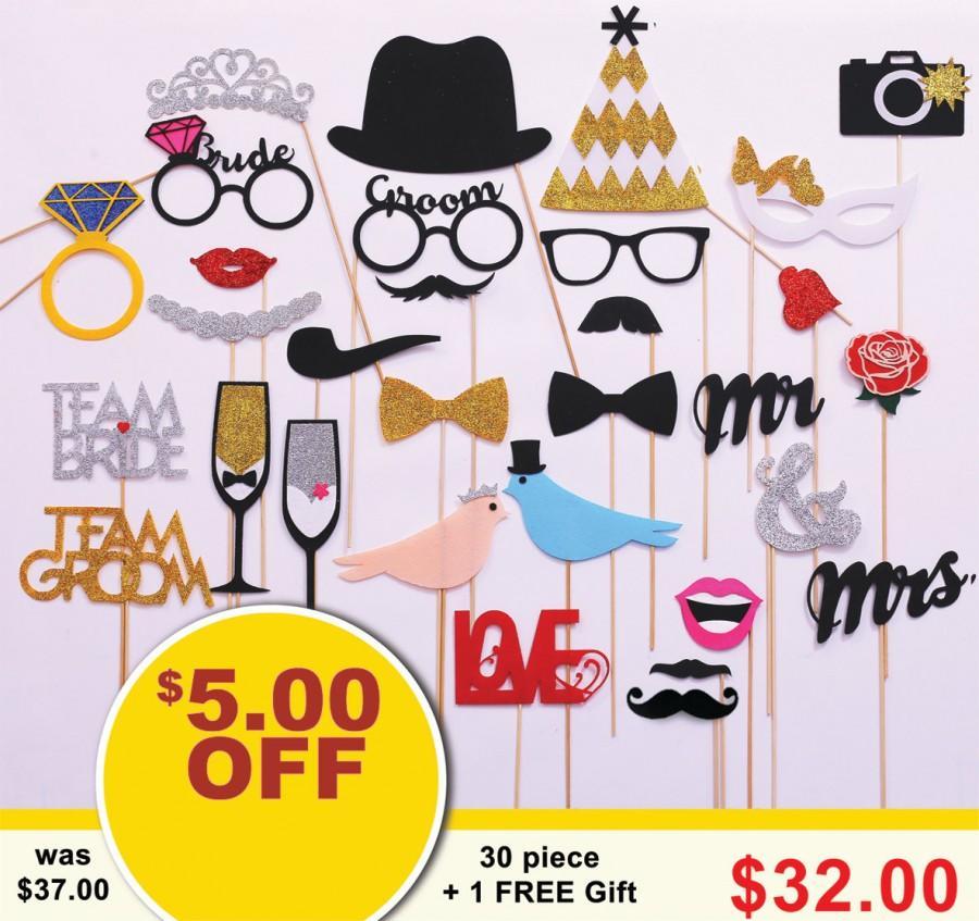 Свадьба - 30 piece Wedding Photo Booth props. FELT and GLITTER Wedding Party Photobooth props. Wedding Decorations